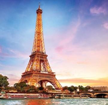 hostel in paris